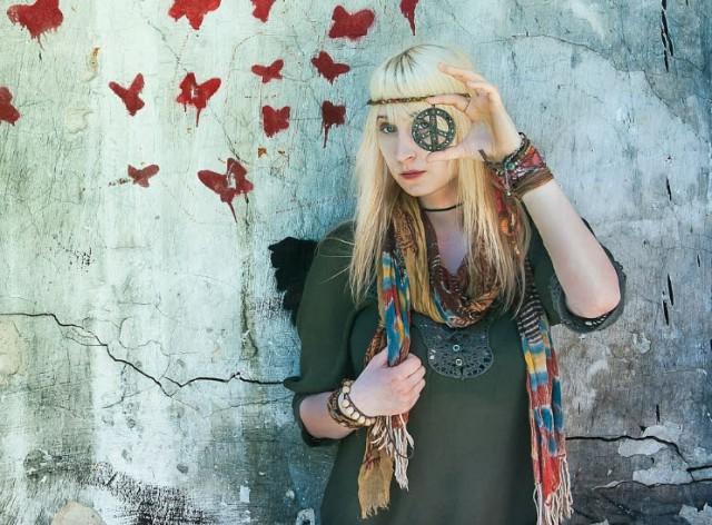 hippie-932791_1280