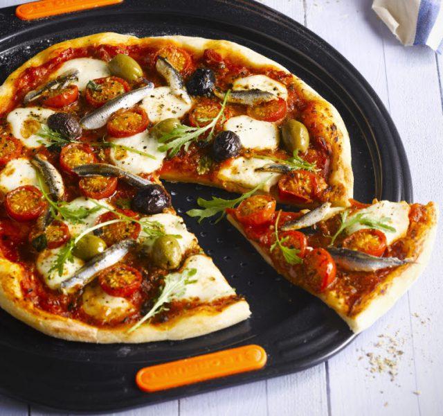 Bild: Antihaft-Pizzabackblech von Le Creuset